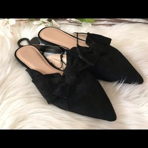 Forever 21 Black Bow Pointed Toe Suede Flats